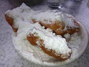 What are Beignets? - French Powdered Doughnuts!